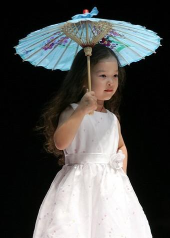 bambina cinese modella