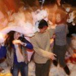 Pillow fight a Shanghai per trovare l'amore