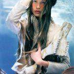 Spopola la Supermodella cinese Queenie Zhou Qiao