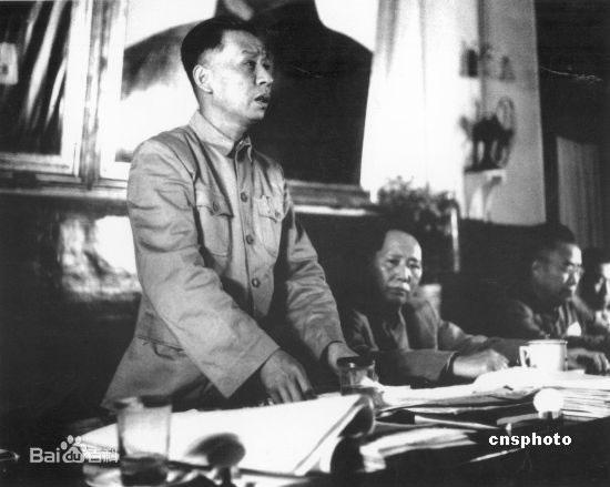 liu-shaoqi_mao-zedong