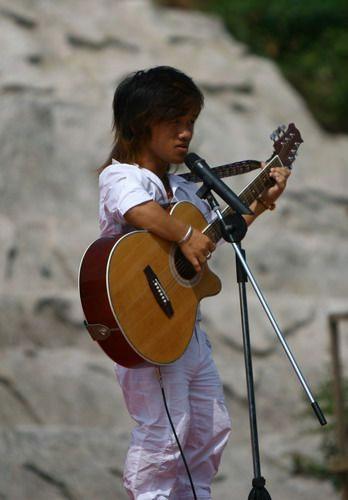 nano-cantante
