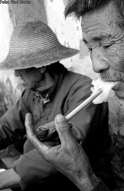 Immagini di anziani cinesi