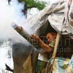 Un contadino difende la casa dalla demolizione con cannone fatto in casa
