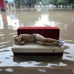 Solo in Cina: 10 immagini incredibili delle alluvioni in Cina