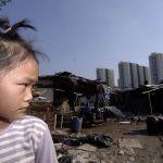 Nelle immagini della demolizione del più grande slum di Sanya la desolazione degli sfollati