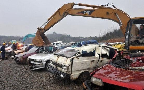 smashing-cars-5