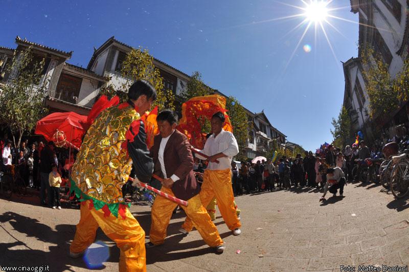 Heqing-dali-dragon-dance-2