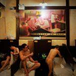 La centenaria sauna  Shuangxing in 30 immagini, prima della demolizione