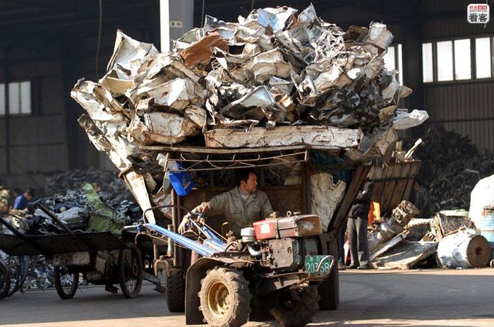 china-ewaste-003-rifiuti elettronici in Cina