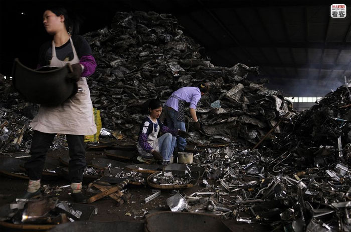 china-ewaste-004-rifiuti elettronici in Cina