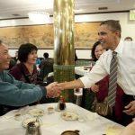 Le reazioni in USA e Cina alla visita di Obama a un ristorante cinese a San Francisco