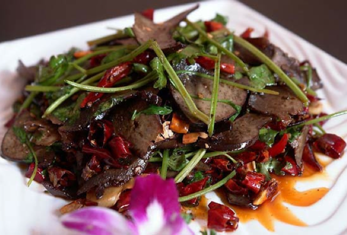 Cibi cinesi da evitare o da consumare con moderazione for Piatti cinesi mangiati in italia