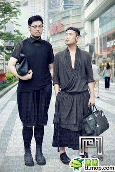 uomini vestiti da donne