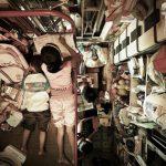 Persone in gabbia ad Hong Kong