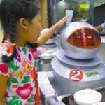 Il più grande Robot Restaurant in Cina, le immagini