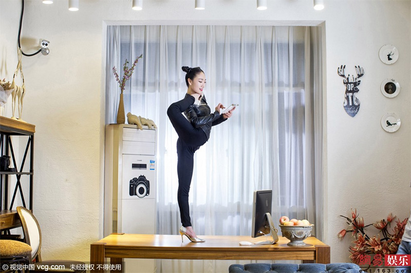 018liu-teng-la-contorsionista