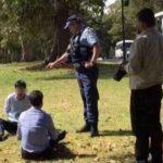 Due turisti cinesi arrestati in Australia per avere fatto la pipì in un parco