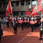 Studenti di Taiwan inscenano una parata nazista