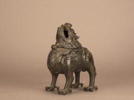 Bruciatore per incenso in bronzo rappresentante la bestia Luduan-Via della Seta Marittima