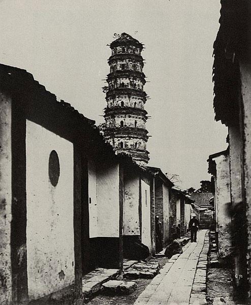 Una pagoda di nove piani e la via dei Tartari a Canton