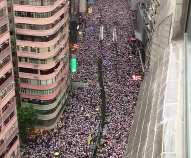 Centinaia di migliaia di manifestanti a Hong Kong contro il disegno di legge per le estradizioni in Cina-hong kong estradizione Cina