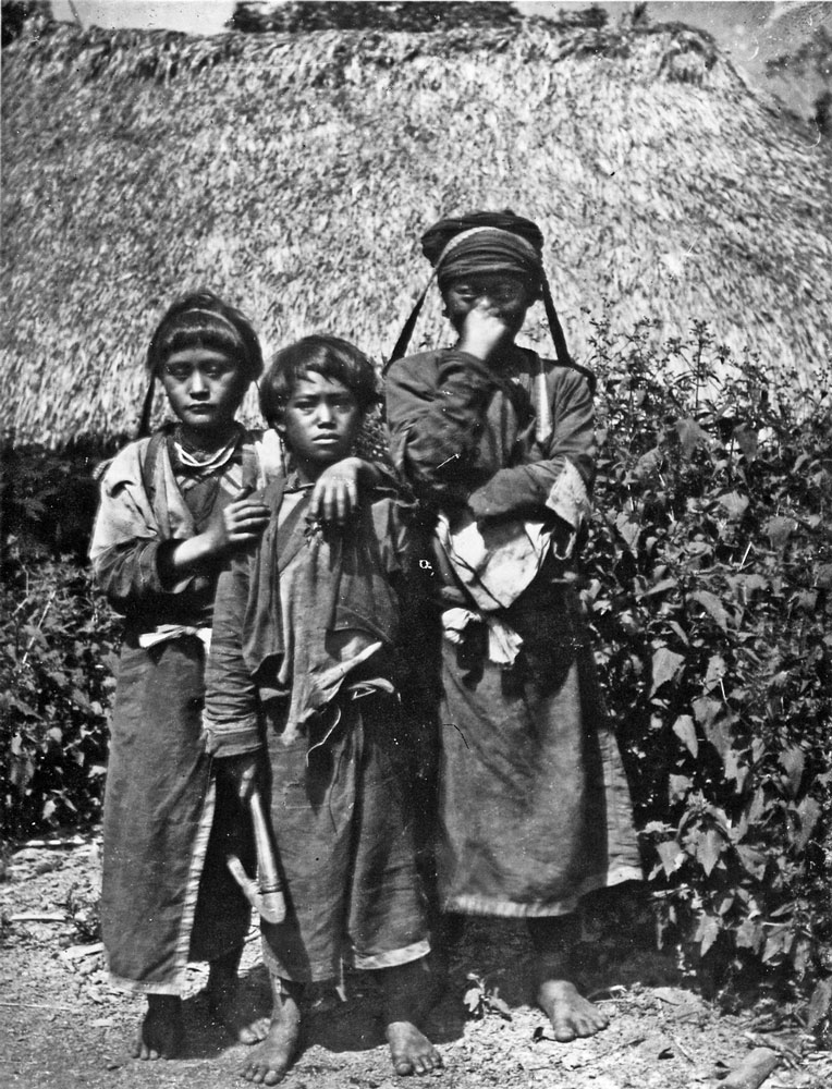Giovani ragazze Tsou di Ali Mountain, Taiwan, 1900