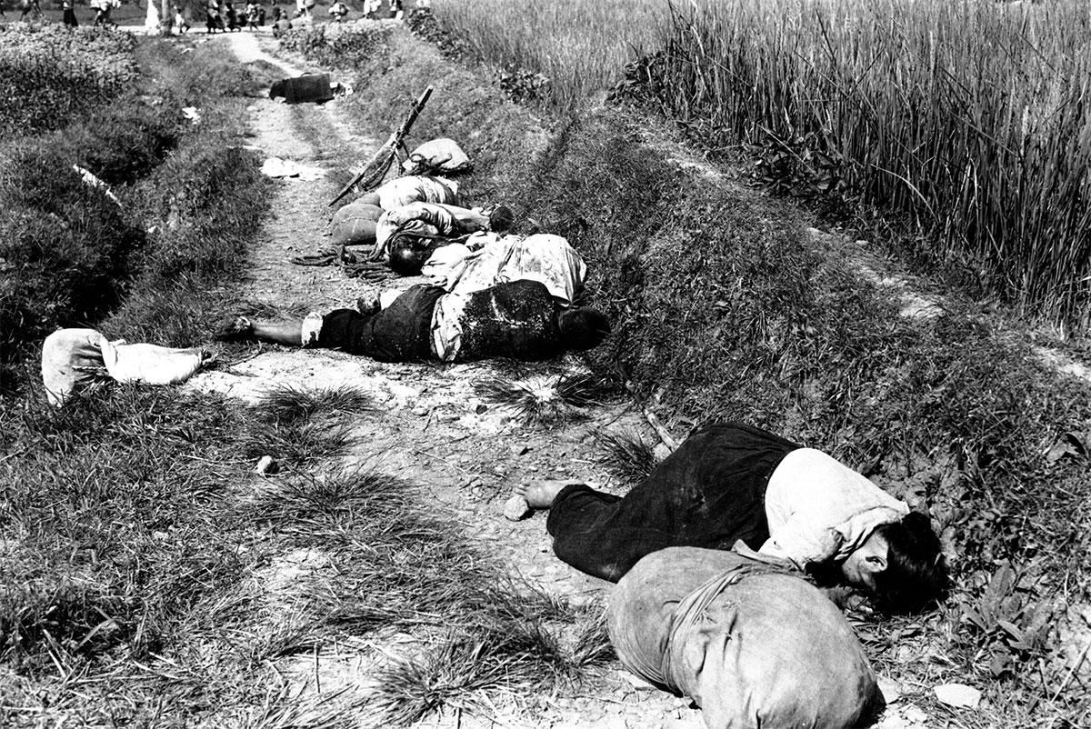 Cadaveri di civili coreani, uccisi dai colpi