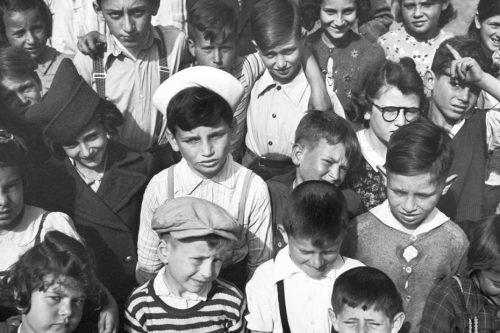 Le Fotografie di Arthur Rothstein in Cina durante la Seconda Guerra Mondiale: la carestia, i rifugiati ebrei a Shanghai