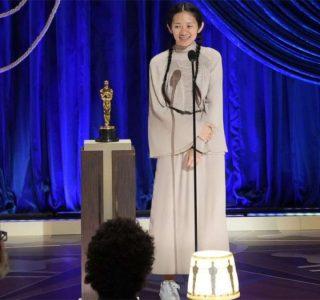 Chloé Zhao vince l'Oscar per la Miglior Regia e Miglior Film